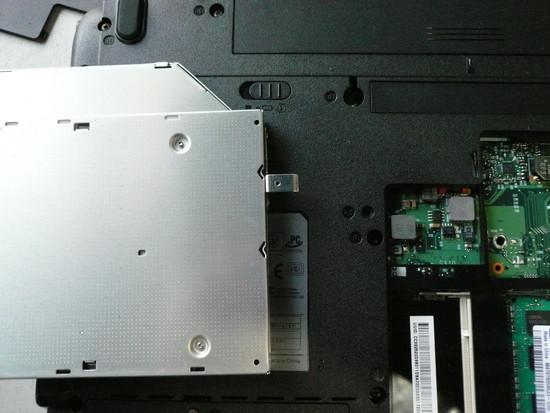 dynabook AX/55A分解方法