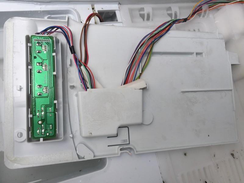 三菱 大型冷蔵庫(MR-CL38M) 冷蔵室の分解方法と洗浄