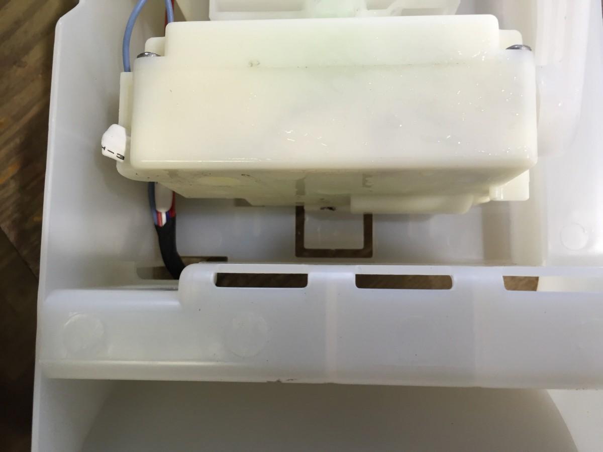 日立冷蔵庫(R-S26XMV) 自動製氷の氷ができない アイスメーカ交換