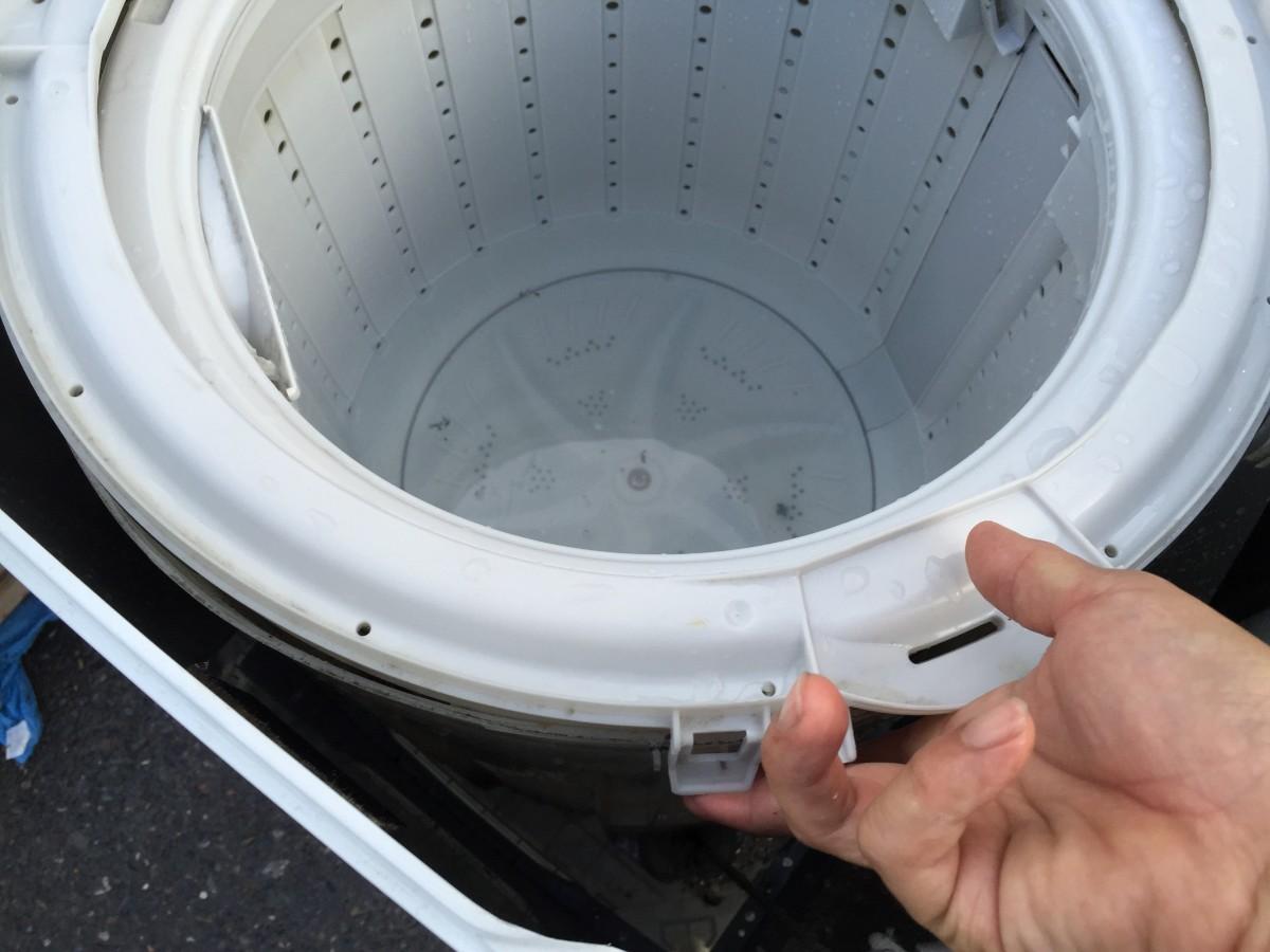【洗濯層 カビの掃除】 TOSHIBA 東芝洗濯機(AW-304)