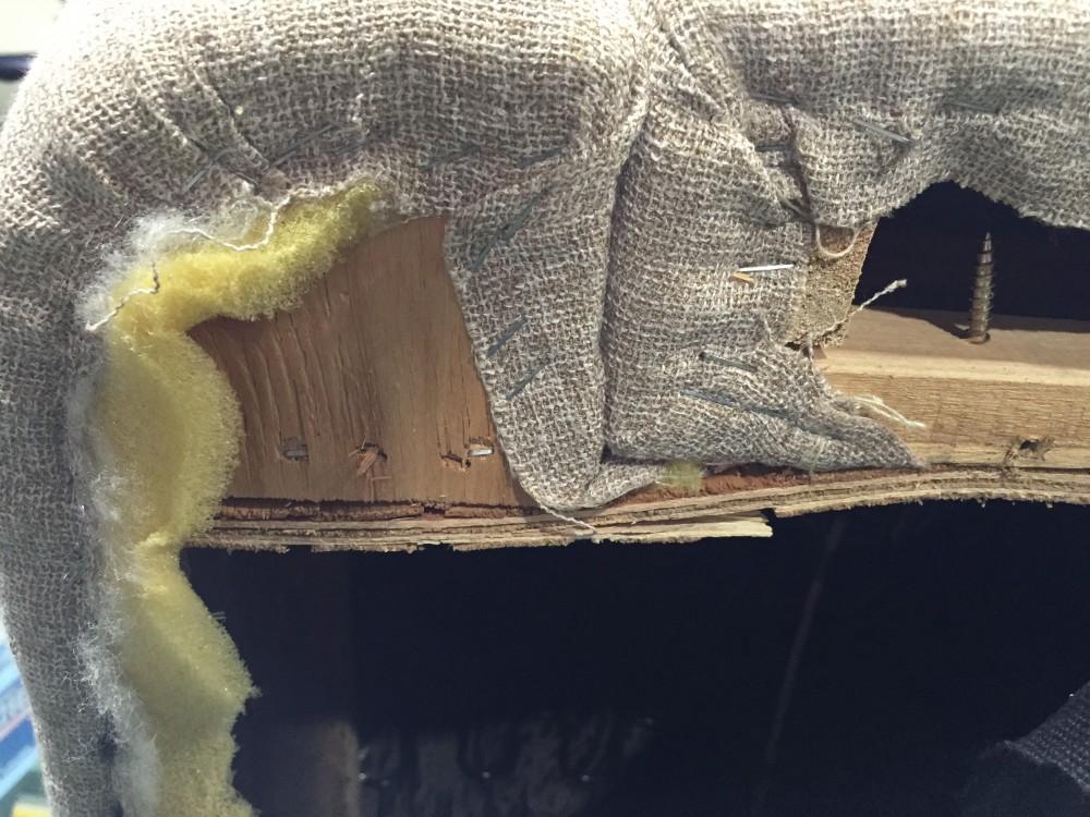 誰でもできる!!DIYでソファーを簡単修理「足が折れた」
