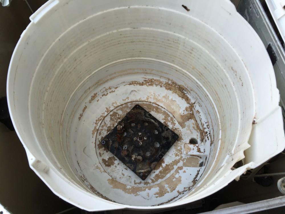 サンヨーSANYO洗濯機(ASW-700SB) 分解と洗濯層の掃除の仕方