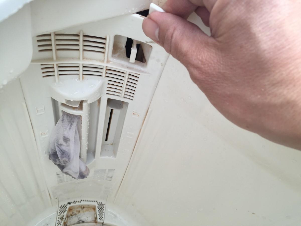 サンヨー 二槽式洗濯機(SW-520N)の分解と掃除の方法