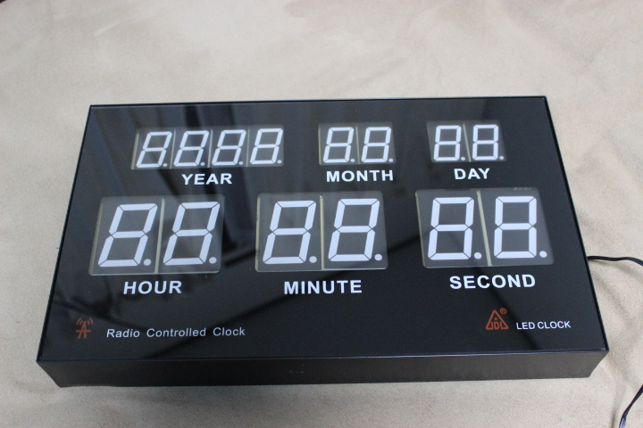 中国製のLEDデジタル時計を分解してみた