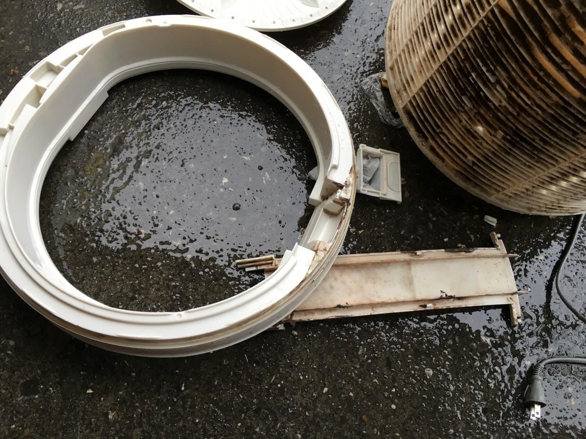 パナソニック洗濯機「NA-F45B3」ギヤプーラーを使っての洗濯槽取り外しと清掃方法