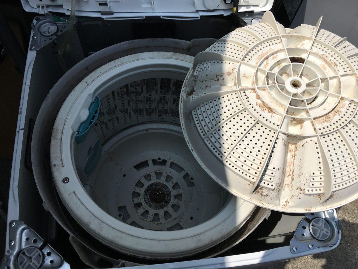洗濯槽のカビと臭いをやっつけよう!日立7.0kg(NW-T71)の分解と清掃方法