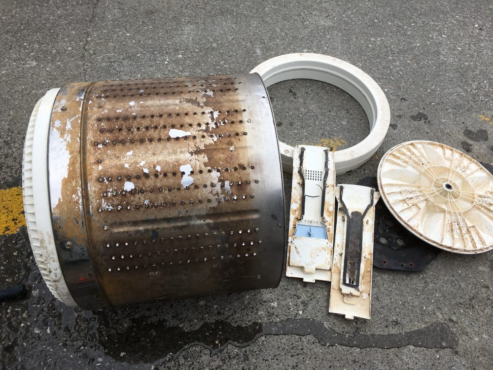 サンヨービックドラム10kg洗濯機(ASW-E10ZA)分解と掃除の方法