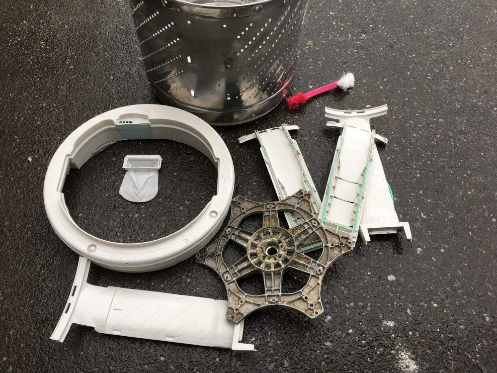 ナショナル7.0kg洗濯機(NA-FS710)の分解と洗濯槽の掃除の方法
