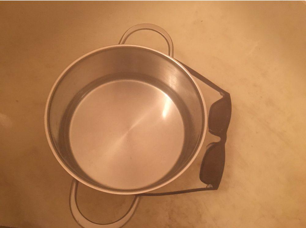 サングラスのサイズ(テンプル・ウデ・ツル)の幅を広げる(調整)方法