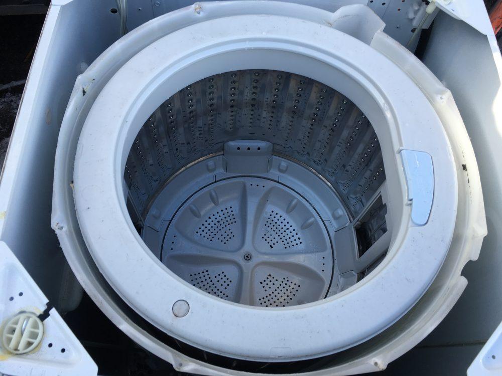 ハイアール6kg洗濯機「JW-K60F」の分解と掃除 洗濯槽の取り外し方法