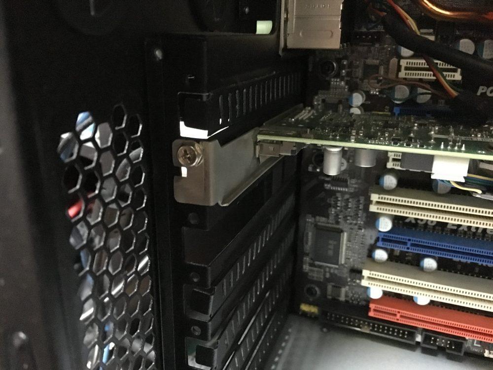 自作パソコンのグラボの交換 Quadro 600→RADEON6850