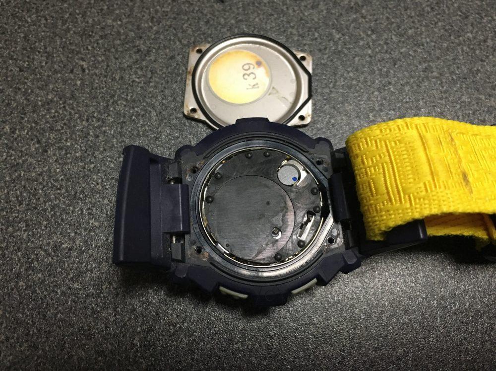 【G-ショック】CASIO(カシオ)Baby-G「BGX-170」の分解と電池交換のやり方
