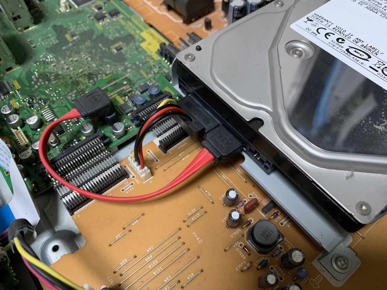 パナソニック ブルーレイレコーダー DMR-BR500 分解修理【ハードディスク交換方法】